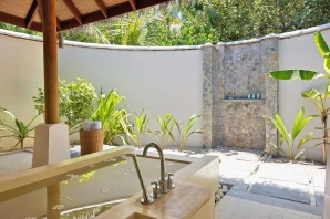 LMA_Rooms_Beach_Villa_2